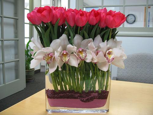 buchet de orhidee si lalele